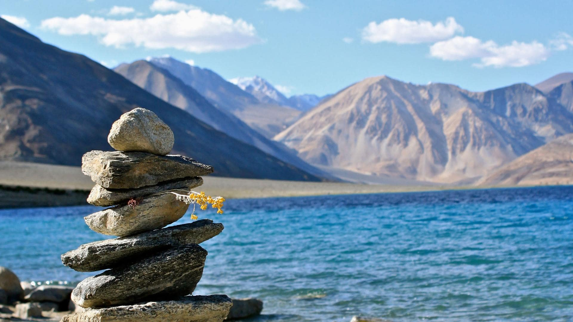 Must Visit Places in India - Ladakh, Jammu and Kashmir